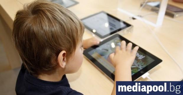 Преносими компютри и таблети ще бъдат купени на деца, настанени
