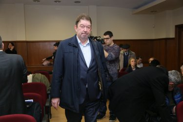 Адвокат на Цветан Василев иска отвод на съдията по делото КТБ
