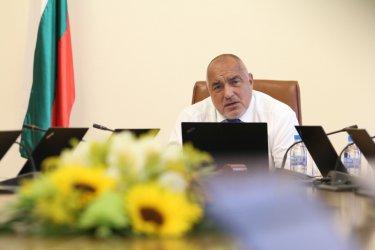 Вместо оставка, кабинетът планира пълен мандат след мащабен ремонт