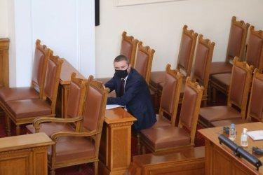 Горанов намекна, че БСП и ДПС също са участвали в схемите на Божков