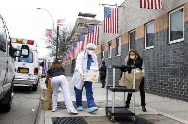 САЩ отново биха рекорда си за новозаразени: 36 хиляди за ден