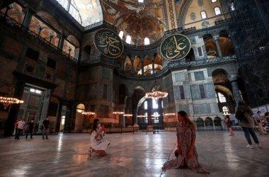 """Ердоган призова всички да уважат решението """"Св. София"""" да стане джамия"""