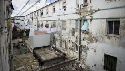 Да оцелееш в най-бедния квартал в Испания във времената на коронавирус