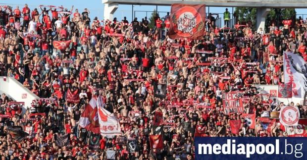 Футболното първенство може да остане без публика, след като бяха