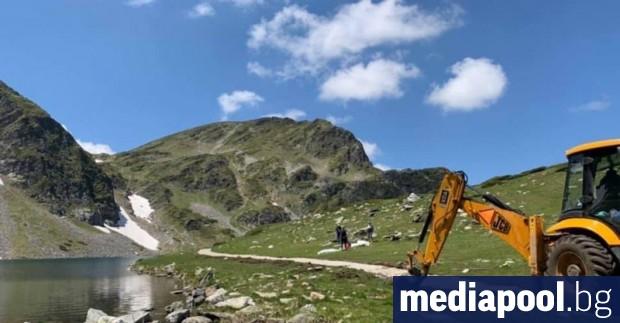 Изпълнителят на проекта за реновиране на пътеките до Седемте рилски