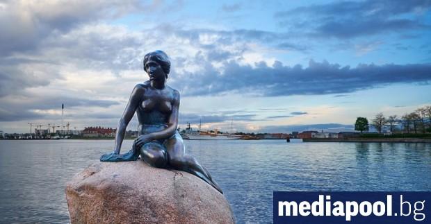 Датската полиция проверява вандалска проява срещу статуята на Малката русалка