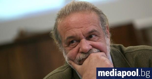 """""""В България няма политика. Политиката е прозрачно упражняване на властта"""
