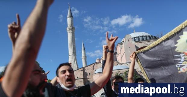 Турският президент Реджеп Тайип Ердоган подписа указ за прехвърлянето на
