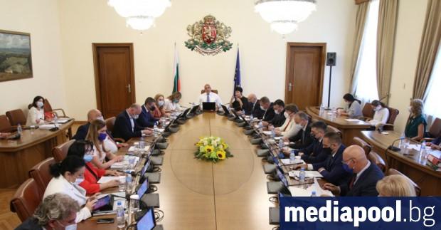 Министрите на финансите Владислав Горанов, на вътрешните работи Младен Маринов