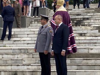 Радев:  Преживяваме пречистване! Изходът е един – оставка на кабинета и главния прокурор
