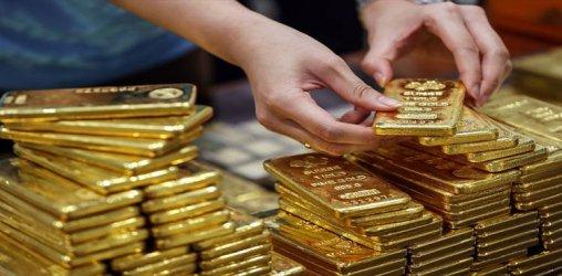 Златото поскъпна до рекордните 2031 долара за тройунция