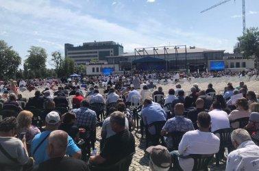 ГЕРБ се събира, за да чуе Борисов, а не да дебатира (на живо)