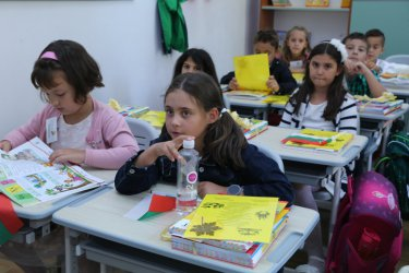 Началото на учебната година ще е присъствено, всяко училище с екшън план