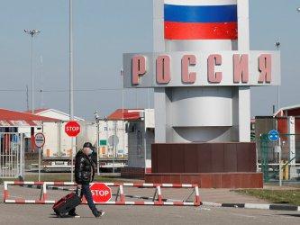 С частни самолети или хеликоптери: Руските богаташи успяват да пътуват въпреки изолацията