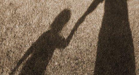 Битото от майка си 3-годишно дете от Перник ще се вижда с бащата и може да се върне при него