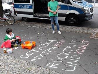 Българите в Берлин местят протестите в работно време