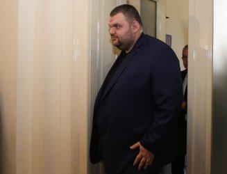 ВМА скри документите за даренията на Делян Пеевски, ако изобщо ги има