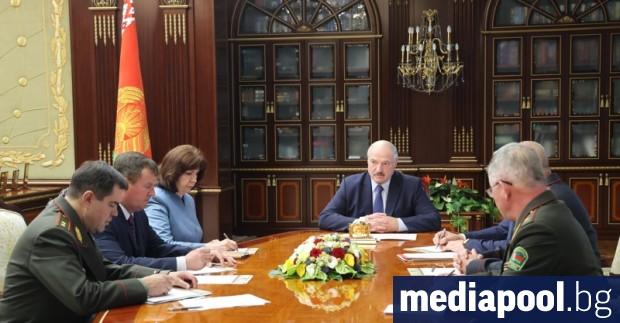 Посланикът на Русия в Беларус Дмитрий Мезенцев съобщи, че е