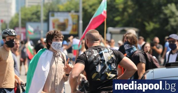 На 21-ия ден протестите започнаха още на обяд с блокада