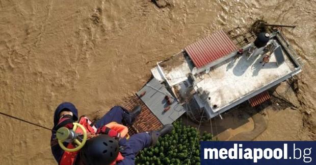 Най-малко седем са загиналите на гръцкия остров Евбея, където проливни