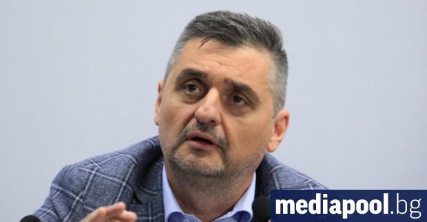 Основният претендент за лидерския пост в БСП Кирил Добрев призна,