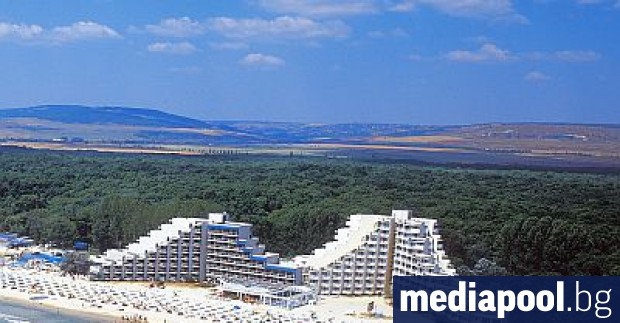 """Курортният комплекс """"Албена"""" започва поетапно да затваря хотели от понеделник,"""