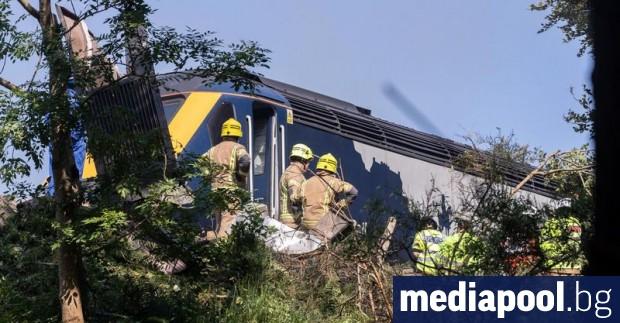 Трима души са загинали при влакова катастрофа тази сутрин в
