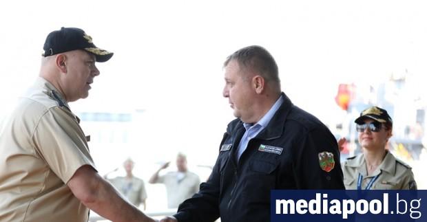 Преговори за подводници се водят с две държави, съобщи в