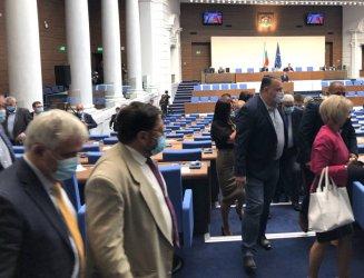 ДПС се оказа крепител на кворума в парламента