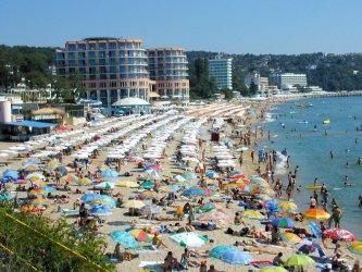 Въпреки държавните бонуси туризмът наду цените