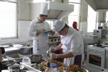 НАП глобява заведения заради 9% ДДС на храната за вкъщи