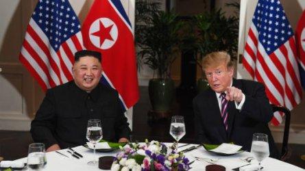 Ласкателства и високопарни слова: как Ким Чен-ун очаровал Тръмп