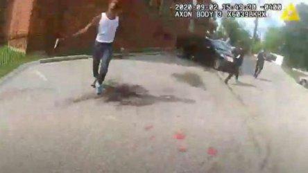 Полицията във Вашингтон публикува видео от арест, за да се защити