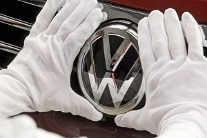 """Брюксел ще налага глоби до 30 000 евро на автомобил при нов """"Дизелгейт"""""""