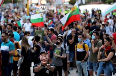 """България след """"Великото народно въстание"""": четири срамни операции"""