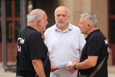 """""""Отровното трио"""" призова опозицията да напусне парламента"""