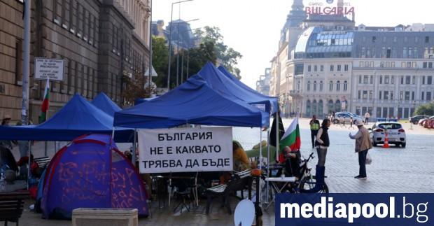 """Блокадите на трите възлови кръстовища на площад """"Независимост"""", """"Орлов мост"""""""