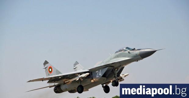 НАТО може да засили мисията по охраната на българското въздушно