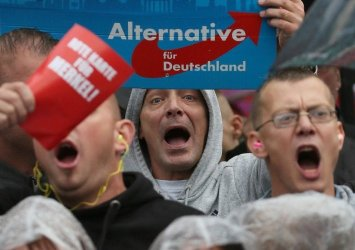 """Деец на """"Алтернатива за Германия"""": """"Можем да убиване на мигранти с газ"""""""