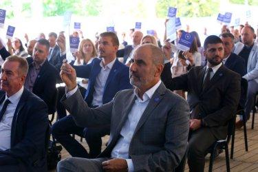Цветанов иска да обединява всички в център дясно
