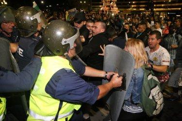 """МВР за протестите: """"Ние можем да бием, те – не""""; """"Боксът не е оборудване""""; """"Търсеха конфликт и за малко да си го получат"""""""