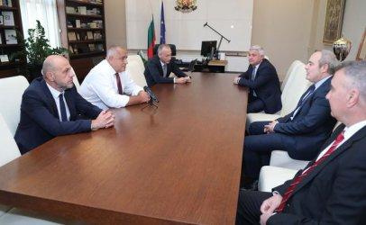 Борисов ще зарадва с по-високи заплати и университетските преподаватели