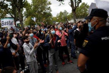 Протести в Мадрид и Лондон заради ограничения за Covid-19