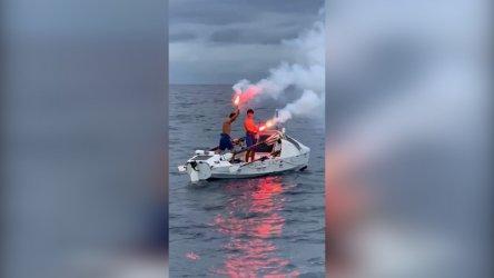 Българи прекосиха Атлантическия океан с гребна лодка за 105 дни