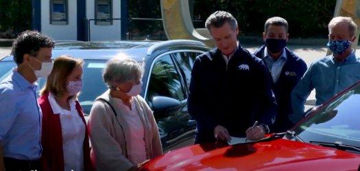 Калифорния забранява продажбата на нови бензинови коли след 2035 г.