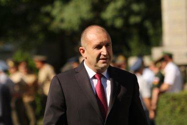 "Радев отговаря за ""прекрасната госпожа"": Делириумът на Борисов буди тревога"