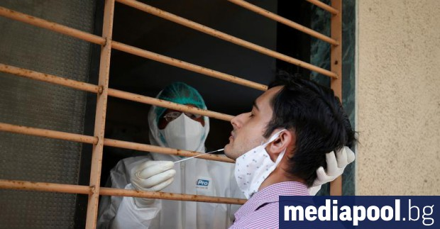 Девет месеца след появата на новия коронавирус в Китай, светът