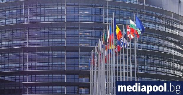 Полското правителство бе разкритикувано вчера в европарламента във връзка със