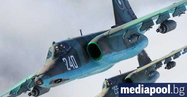 Първите два ремонтирани щурмовици Су-25 вече са доставени в авиобазата