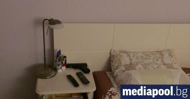 Снимките от премиерската спалня в държавната вила